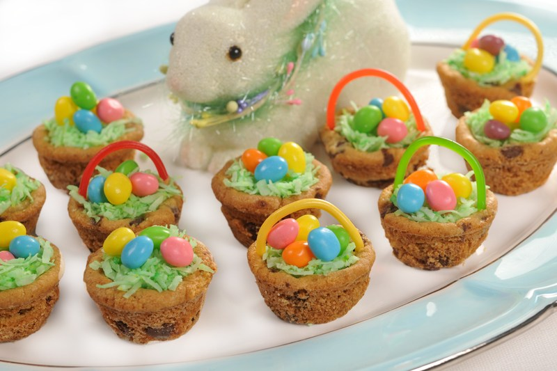 Easter_Baskets_solid_color.jpg