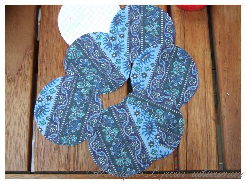 tuto fleur en tissu sur une barette. Black Bedroom Furniture Sets. Home Design Ideas